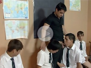 FLASH !!! Four schoolboys sucking off their teacher in turns